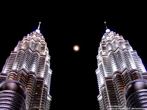 Notte a Kuala Lumpur - di Cinzia Gallastroni